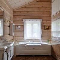 идея яркого интерьера ванной комнаты в деревянном доме фото