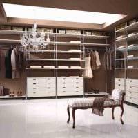 идея яркого стиля гардеробной комнаты картинка