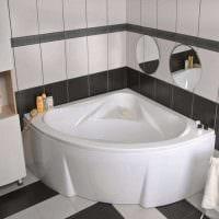 идея необычного стиля ванной комнаты с угловой ванной картинка