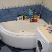 идея современного интерьера ванной комнаты с угловой ванной фото