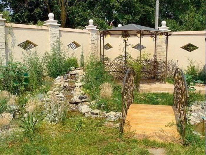 вариант красивого дизайна двора