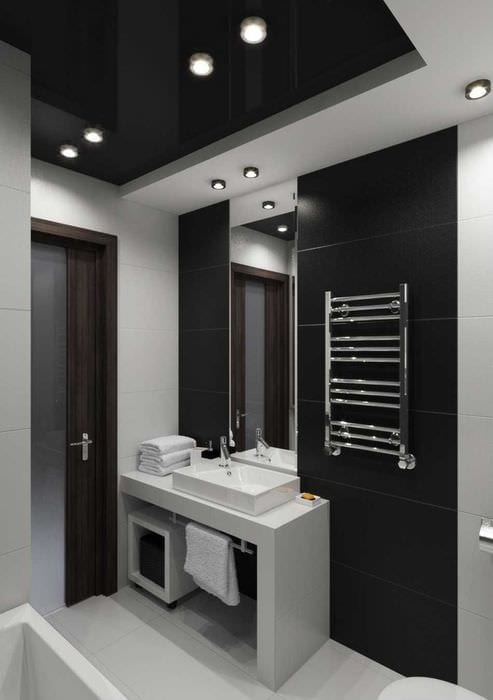 вариант современного интерьера ванной комнаты в черно-белых тонах