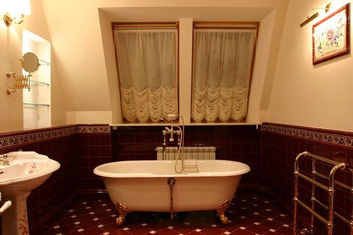 вариант светлого стиля ванной в классическом стиле