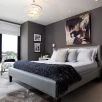идея яркого интерьера спальни в белом цвете фото