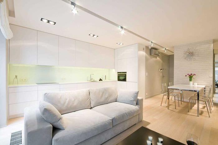 идея необычного стиля комнаты в светлых тонах в современном стиле