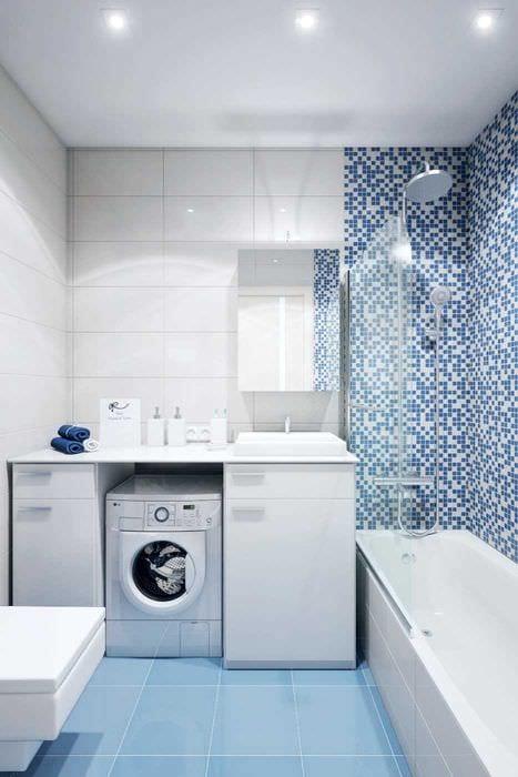 вариант необычного стиля ванной комнаты 2.5 кв.м