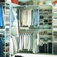 идея яркого дизайна гардеробной комнаты картинка