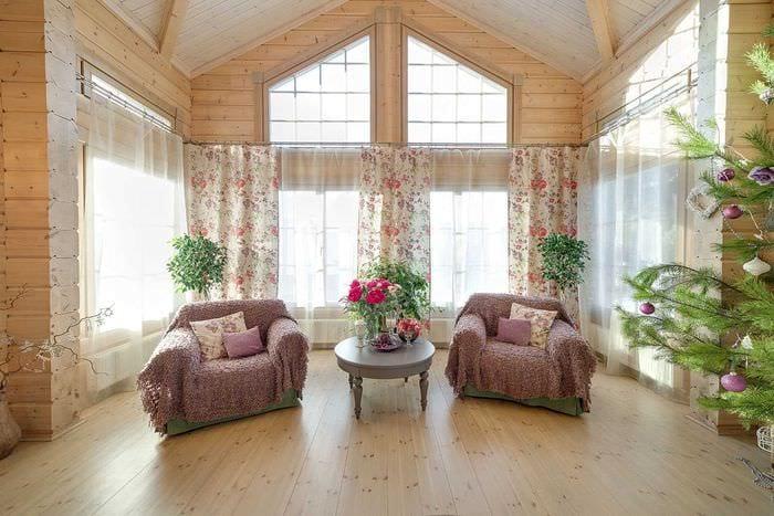 идея необычного интерьера дома со вторым светом