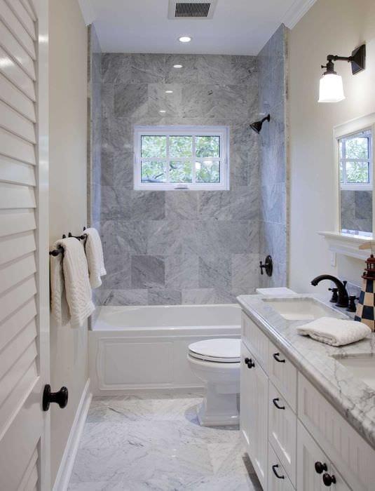 вариант необычного интерьера ванной 2017