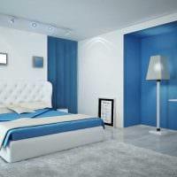 вариант необычного стиля спальни в белом цвете фото