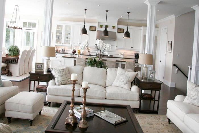 вариант яркого дизайна комнаты в стиле современная классика