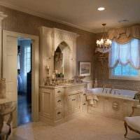 вариант светлого декора ванной в классическом стиле картинка