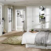 вариант современного интерьера белой спальни картинка