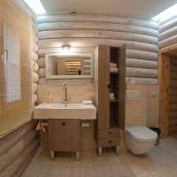 вариант необычного интерьера ванной в деревянном доме фото