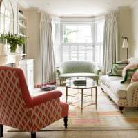 пример красивого интерьера гостиной с эркером фото