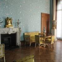 вариант яркого стиля гостиной комнаты 25 кв.м фото