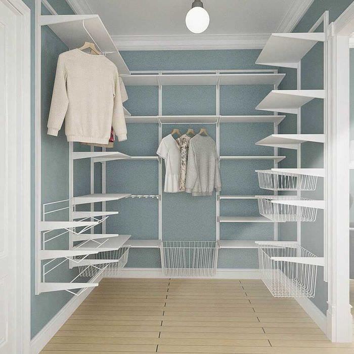 вариант необычного интерьера гардеробной