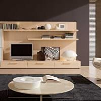 пример яркого дизайна гостиной в стиле минимализм картинка