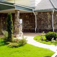 вариант современного декорирования двора фото