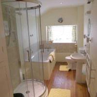 идея красивого дизайна ванной с окном картинка