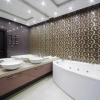 вариант яркого интерьера ванной комнаты с угловой ванной картинка