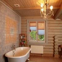 идея яркого дизайна ванной комнаты в деревянном доме фото