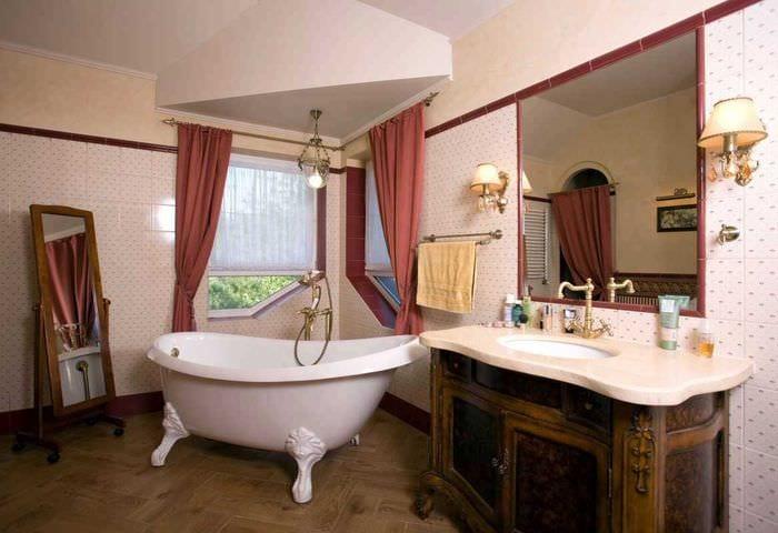 вариант необычного декора ванной комнаты в классическом стиле