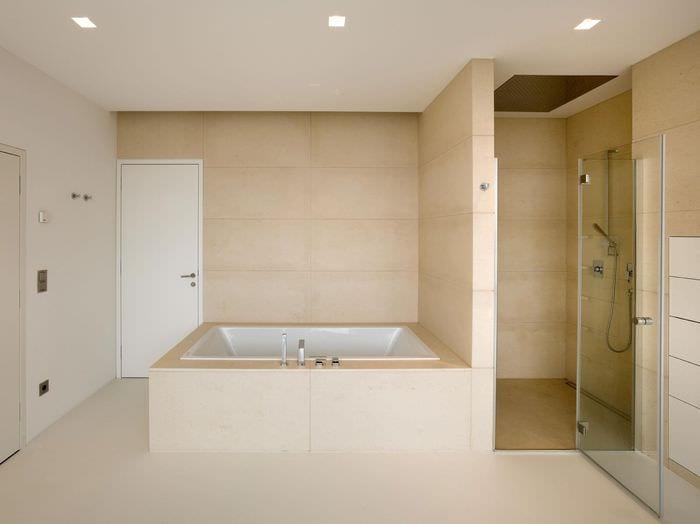 пример красивого дизайна ванной в бежевом цвете