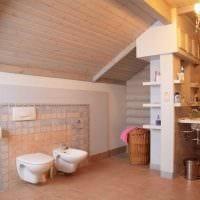 идея необычного интерьера ванной комнаты в деревянном доме фото