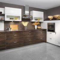 идея сочетания насыщенного коричневого цвета в стиле кухни фото