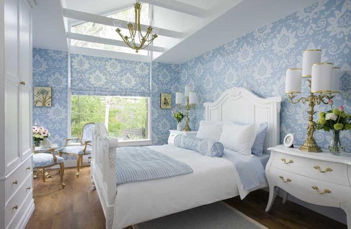 идея яркого дизайна спальни в белом цвете