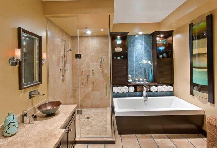 идея яркого дизайна большой ванной комнаты
