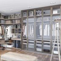 идея яркого дизайна гардеробной комнаты фото