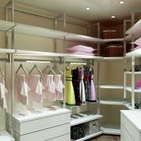 идея яркого дизайна гардеробной фото