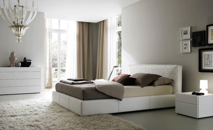 идея яркого стиля квартиры в светлых тонах в современном стиле