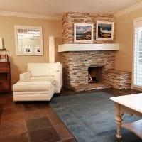 вариант светлого дизайна гостиной комнаты с камином картинка