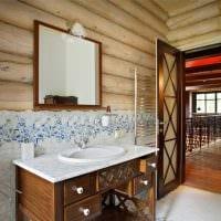 вариант яркого стиля ванной комнаты в деревянном доме фото