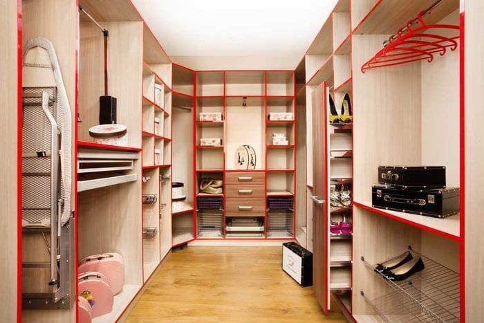 вариант красивого дизайна гардеробной комнаты