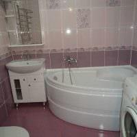 идея современного интерьера ванной с угловой ванной картинка