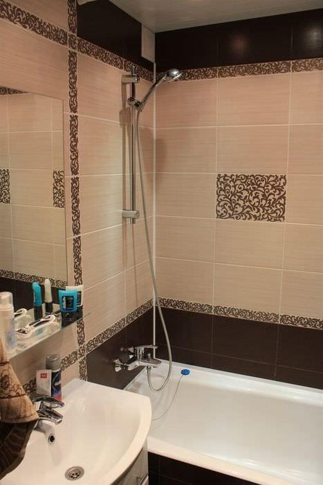 пример яркого дизайна ванной комнаты в бежевом цвете