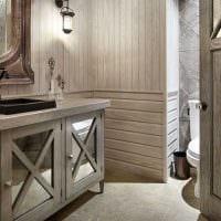 идея красивого интерьера ванной комнаты в деревянном доме фото