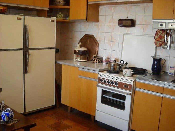 идея интересного дизайна квартиры в советском стиле