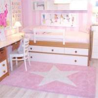 пример применения розового цвета в необычном интерьере комнате фото