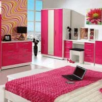 вариант применения розового цвета в необычном декоре квартире картинка