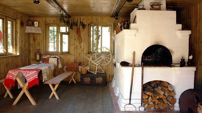 пример использования русского стиля в необычном дизайне комнате