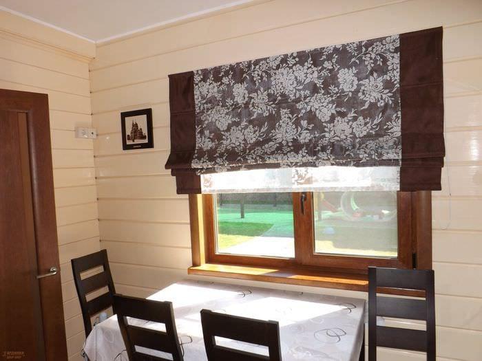 идея использования современных штор в красивом интерьере комнате