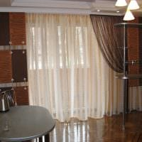 пример использования современных штор в светлом декоре комнате фото