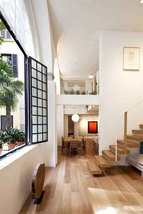 идея использования светлого ламината в необычном декоре квартиры
