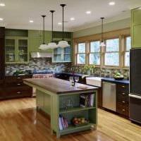 пример применения зеленого цвета в светлом декоре квартиры фото