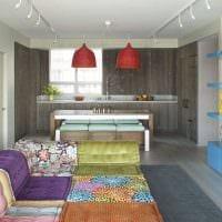 идея яркого интерьера спальни в стиле пэчворк фото
